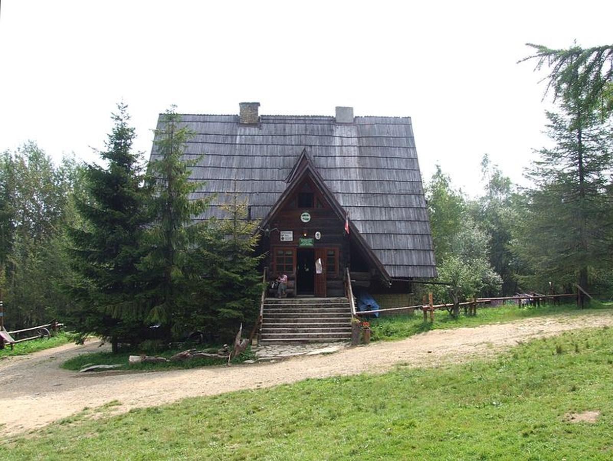 Schronisko Bacówka Pod Małą Rawką w Bieszczadach