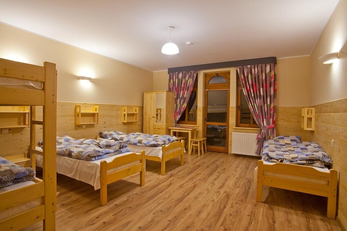 Pokoje w schronisku PTTK Orlica w Szczawnicy