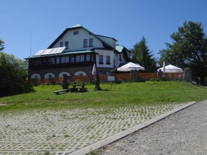 Schronisko PTTK na Magurce Wilkowickiej